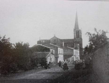 L'entrée du bourg de la route d'Aizenay en 1898