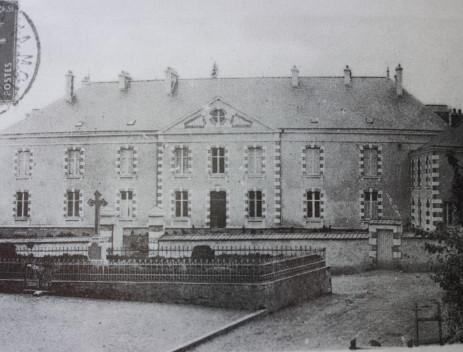 La maison des missionnaires vers 1930.